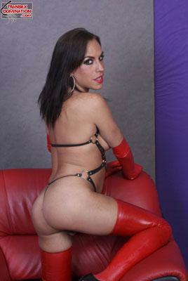 3nikoPK033x Mistress Niko Wants You to Watch Her
