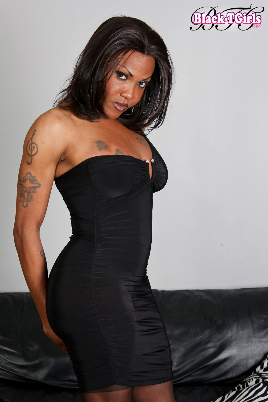ambrosia Ebony shemale