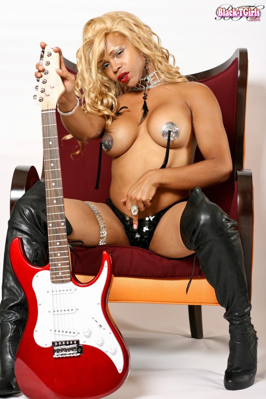 Naked photos of krystal forscutt