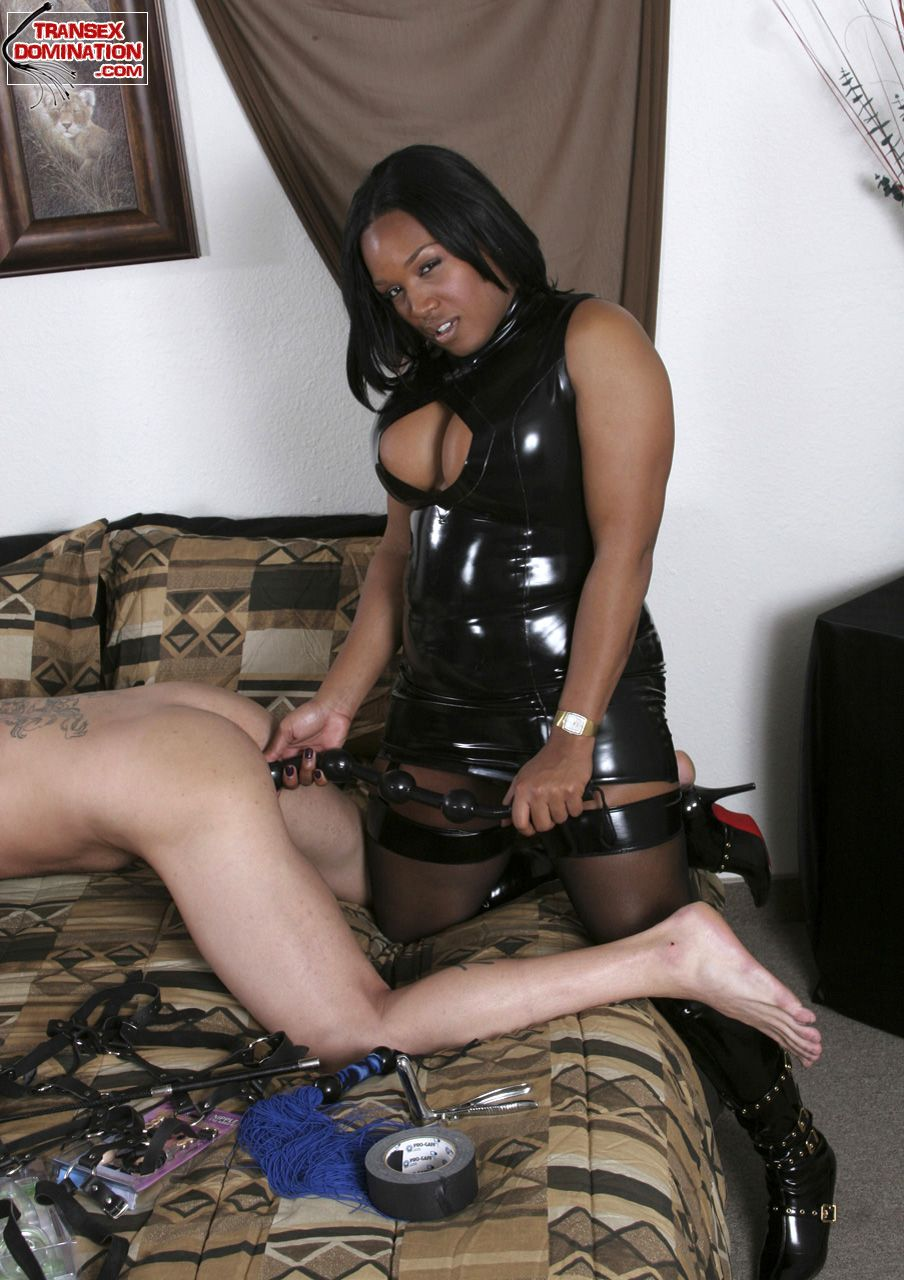 black-shemale-domanatrix-vids