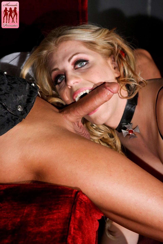 Free vampire shemale sex pics hentai photo
