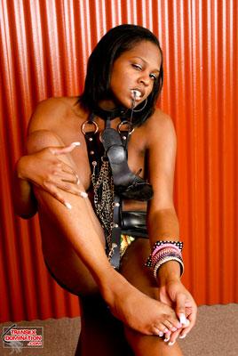 brownie.pk.2057x Mistress Brownie Wants You to Worship Her Feet!