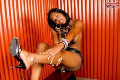 brownie.pk.2068x Mistress Brownie Wants You to Worship Her Feet!