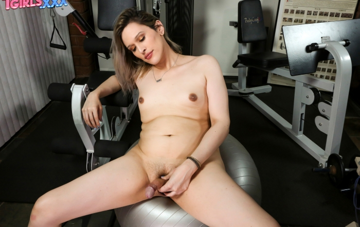 Sexy Melina George cums at the gym on TGirls XXX!