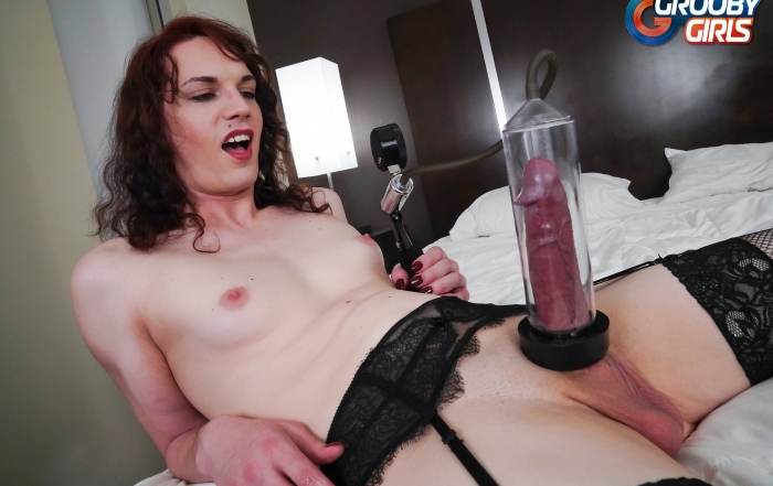 Anastasia Coxx pumps and cums on Grooby Girls!