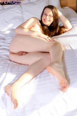 Ava Sumner Femout XXX
