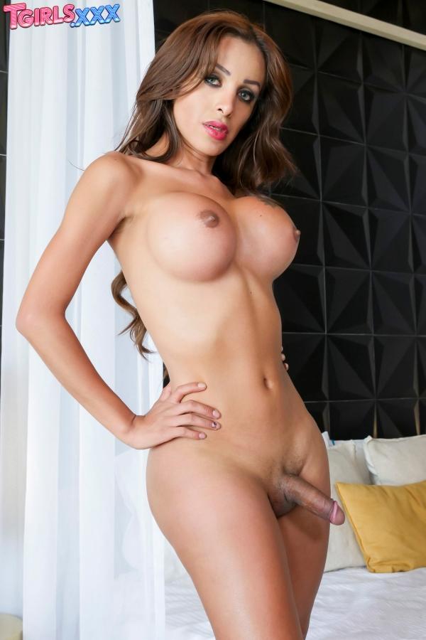 Naomi TGirls XXX