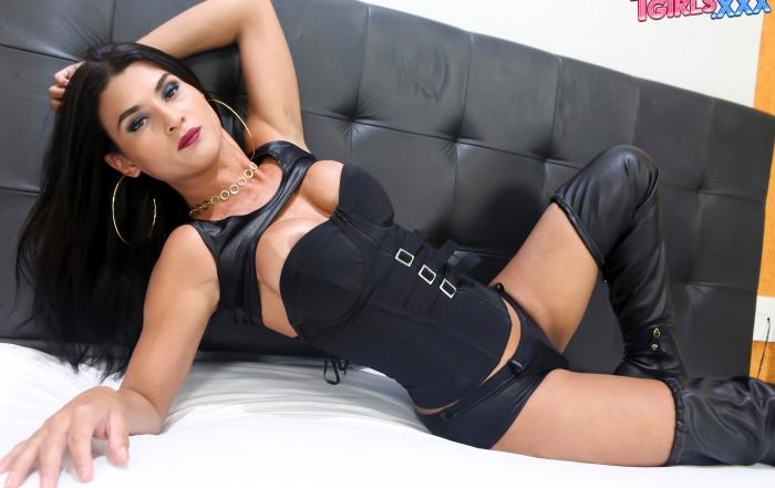 Brazilian beauty Aline Garcia cums on TGirls XXX!