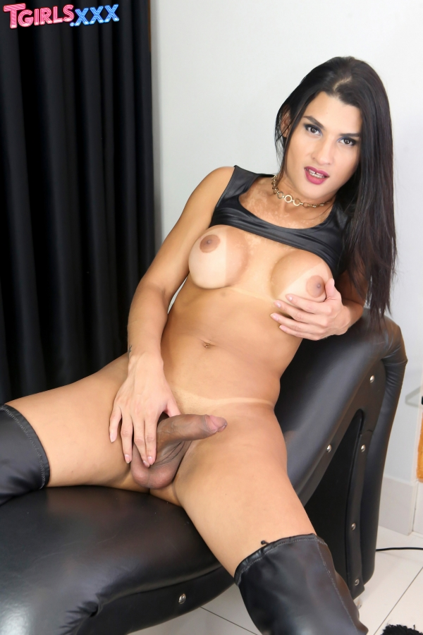Aline Garcia TGirls XXX