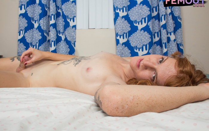 Luscious Leggy Lucy Blue!