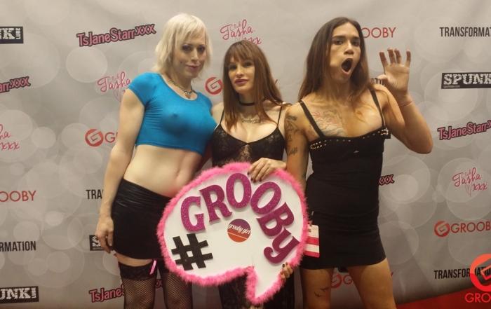 [pics] Feelin' Grooby at Drag Con 2015