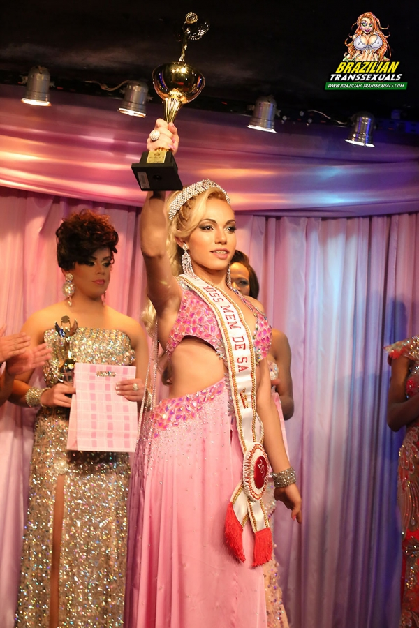 miss.memdesa008 600x900 Brazilian Beauty Sheylla Wandergirlt Wins Big at Miss Mem De Sa