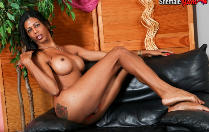 Naomi shines in Cumshot Monday on Shemale Yum!