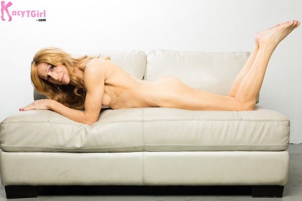 nude-on-stomach-legs-bent-psd