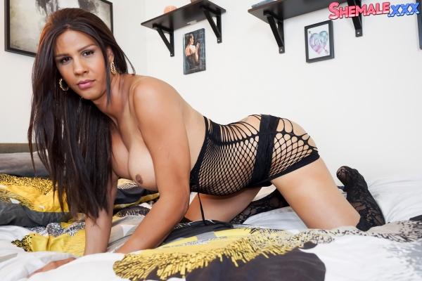 Shania Reyes Shemale XXX
